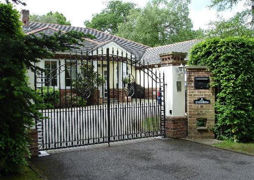Ngôi nhà sang nhờ cổng đẹp